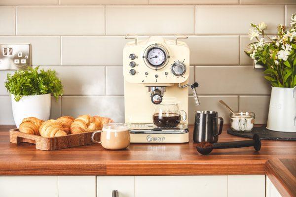 Swan Retro - espresso kaffivél rjómagul